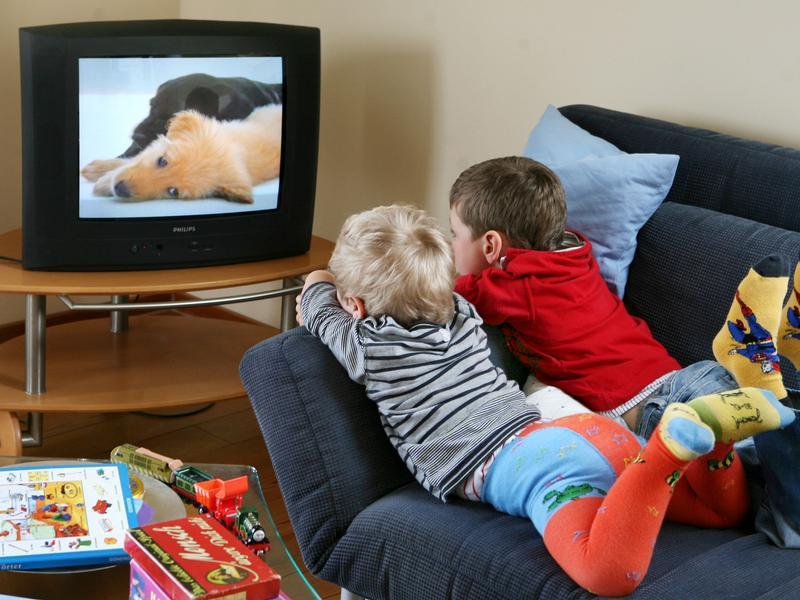 Вред просмотра телевизора ребенку