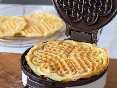 Как готовить вафли в вафельнице