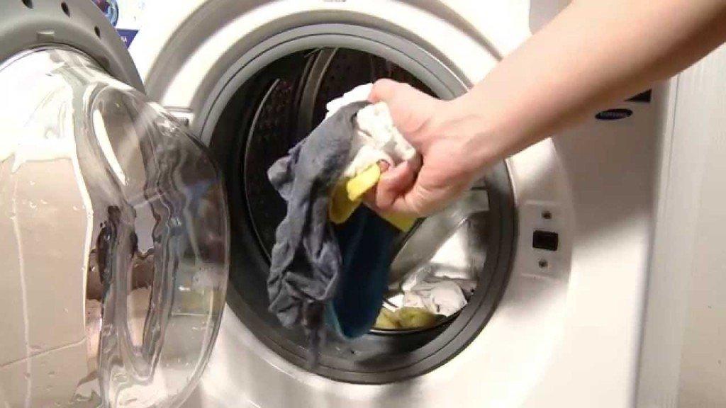 Почему в машинке автомат остается вода в отсеке для кондиционера