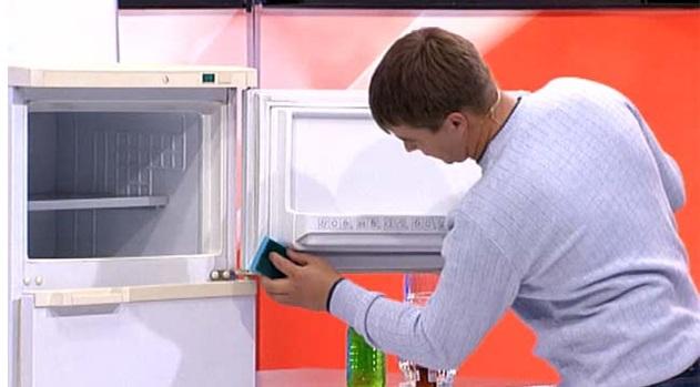 Заменить уплотнительную резинку на холодильнике аристон своими руками