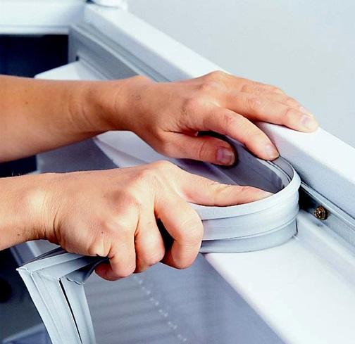 Установка резины на холодильник