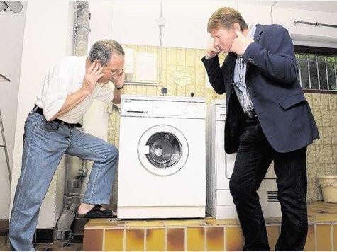 Громкий шум в стиральной машине