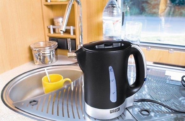 Избавиться от запаха пластмассы в чайнике
