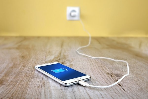 Зарядить мобильный телефон