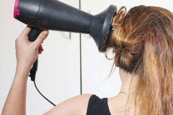 Завивка диффузором длинных волос