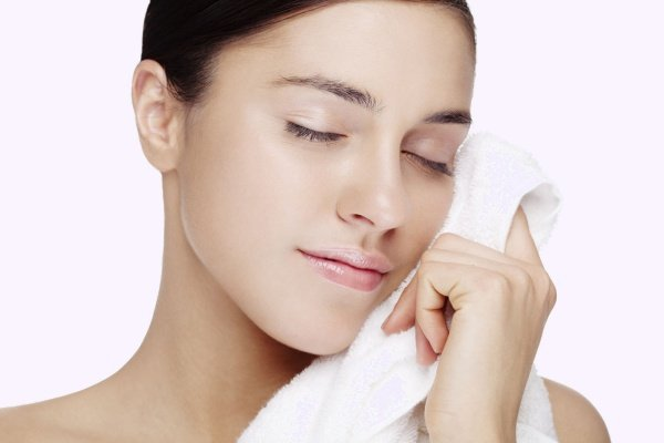 Лицо и полотенце