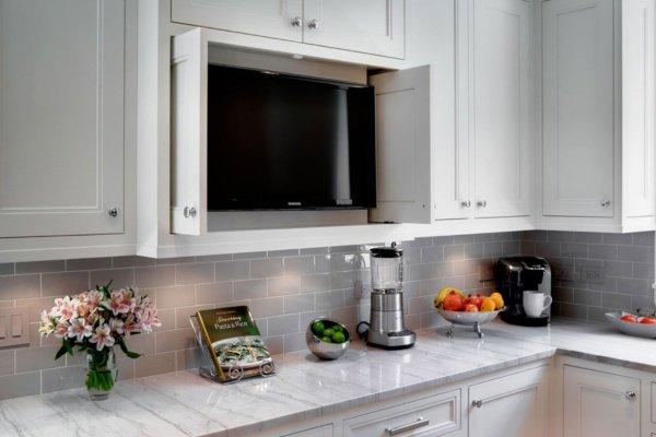 Телевизор встроенный на кухне