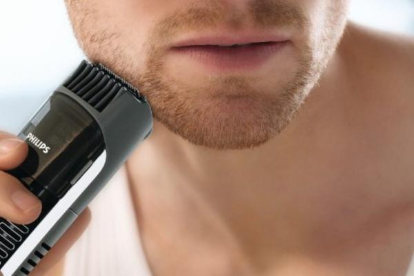 Придание формы бороды с помощью триммера