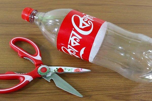 Разрезать бутылку