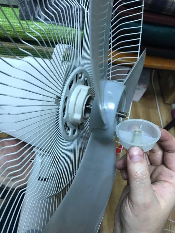 Сломанный Вентилятор Было Легко Починить, Как И Изнасиловать Молодую Палому После Ремонта Смотреть