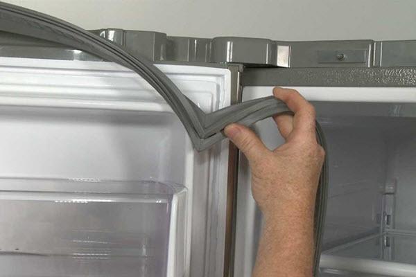 Уплотнительная резинка холодильника